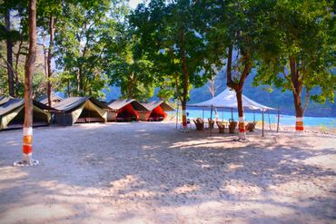 riverside-camping-in-rishikesh
